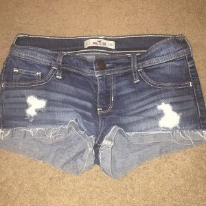 Hollister Mid-wash Denim Cut-Off Shorts